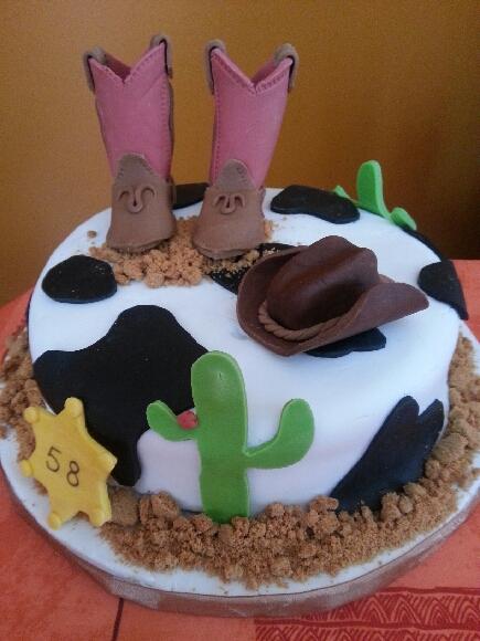 G teau cowboy d coration p te a sucre g teau croquer for Pate a sucre decoration